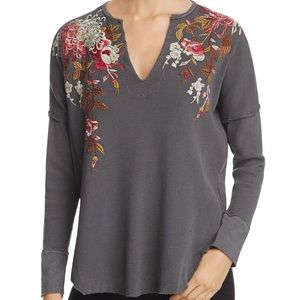 Johnny Was Chrys Gray V Neck Thermal Size M 🌸